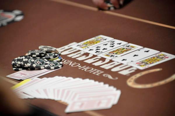 Poker Ports - The Globe of Ka-Ching Noises and Spinning Reels